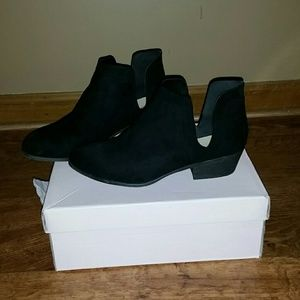 Justfab Tyler Black ankle booties 9